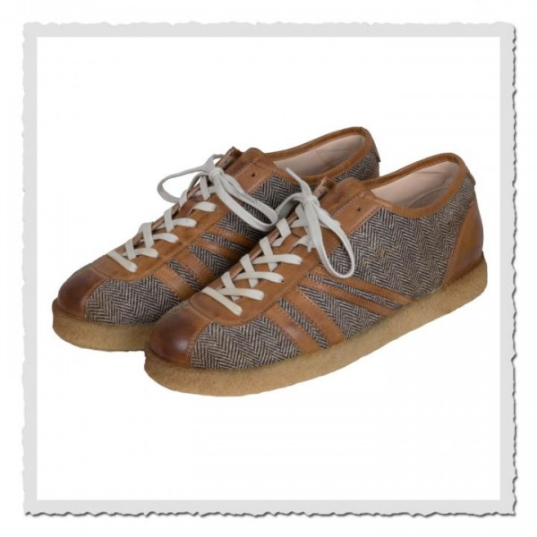 Carl Häßner Trainer Tweed Cognac
